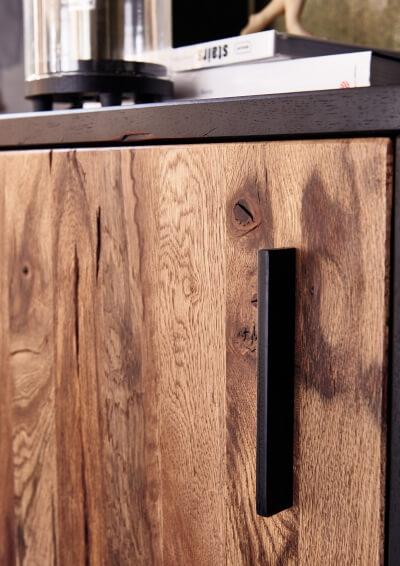 griffe-türen-wohnwand-massivholz