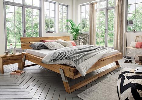 Unikat-Balkenbett aus Massivholz (Wildeiche) - neu im Möbelgeschäft Scan Life bei Rosenheim