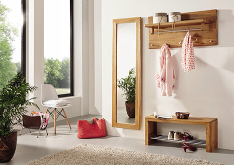 Dielenmöbel mit Spiegel, Garderobe, Schuhablage aus Holz - neu im Möbelgeschäft bei Rosenheim