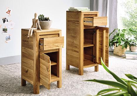 kleine Kommode für Gang oder Diele mit Schublade und Tür in Naturholz