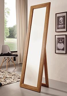 Standspiegel aus Holz und Spiegelglas mit Massivholzrahmen hellbraun